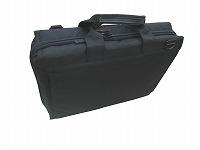 ナイロン素材のかばんの写真
